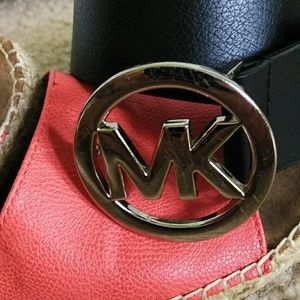 MK black leather belt